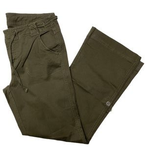 The North Face Green 10 Roll Up Pants